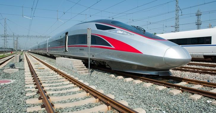 2011 高鐵追撞事故後,中國時速最高 400 公里「復興號」高鐵即將啟用