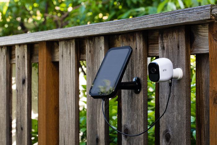 NETGEAR「Arlo 太陽能充電板」全新上市 在室外也能提供攝影機源源不絕的電力!