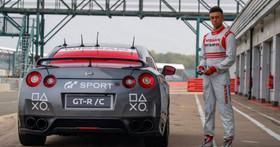 「鍵盤車手」們的終極夢想?Gran Turismo Sport、Nissan 聯手將 PS4 把手「駕駛」GT-R 狂飆銀石賽道化為現實!