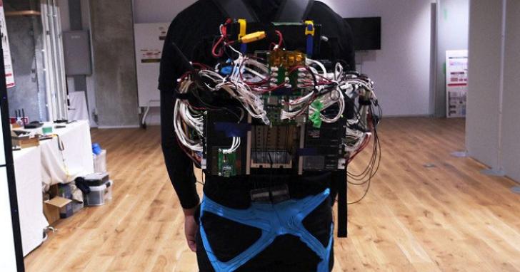 松下研發出可以轉向的機械外骨骼,讓重病患者也可以輕鬆自如地活動