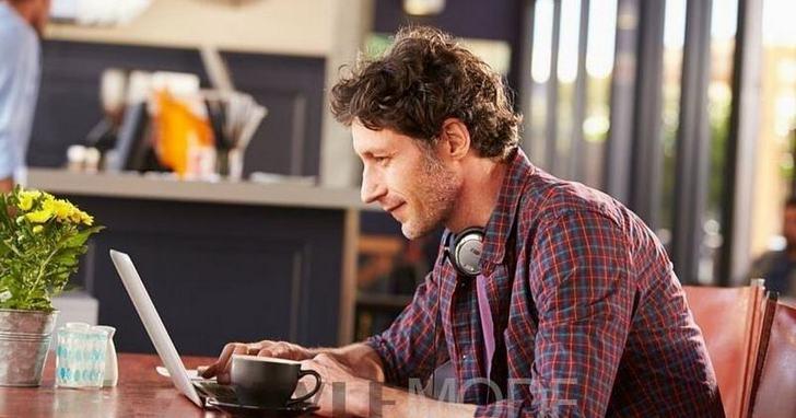 開放式辦公環境會影響你專心工作嗎,那為什麼你在嘈雜的咖啡廳反而能專注工作?