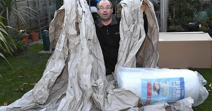 他上亞馬遜買一卷氣泡紙,結果發現包裝氣泡紙的包裝紙竟長達30公尺