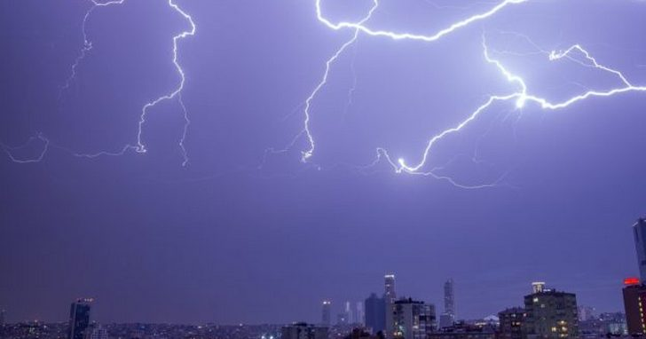 日本科學家找到證據,強大閃電會在空中觸發核反應