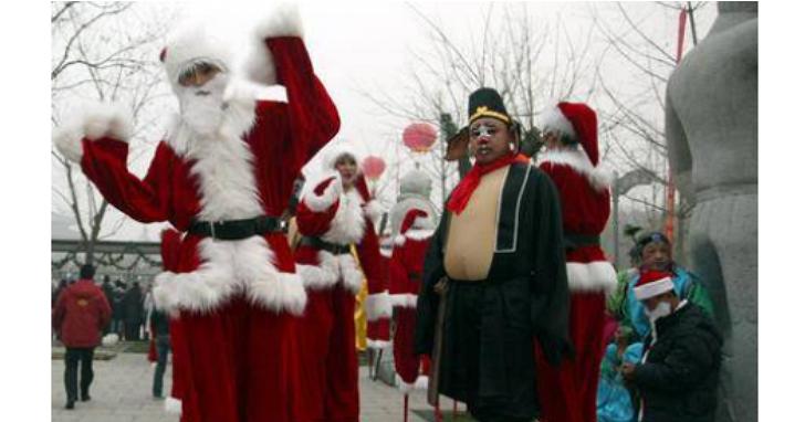 是聖誕老人還是跳加官?全世界可能都要被這些中國的聖誕老人嚇哭了