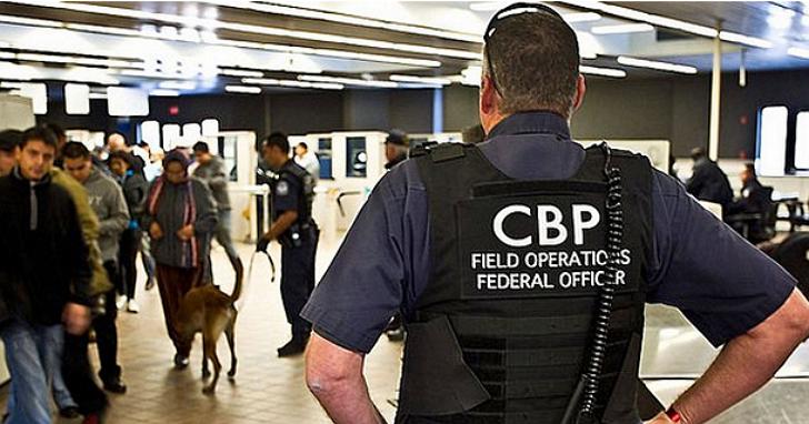 不只要你打開行李箱!美國海關去年一年內,檢查了三萬多部過境旅客的手機、筆電內容