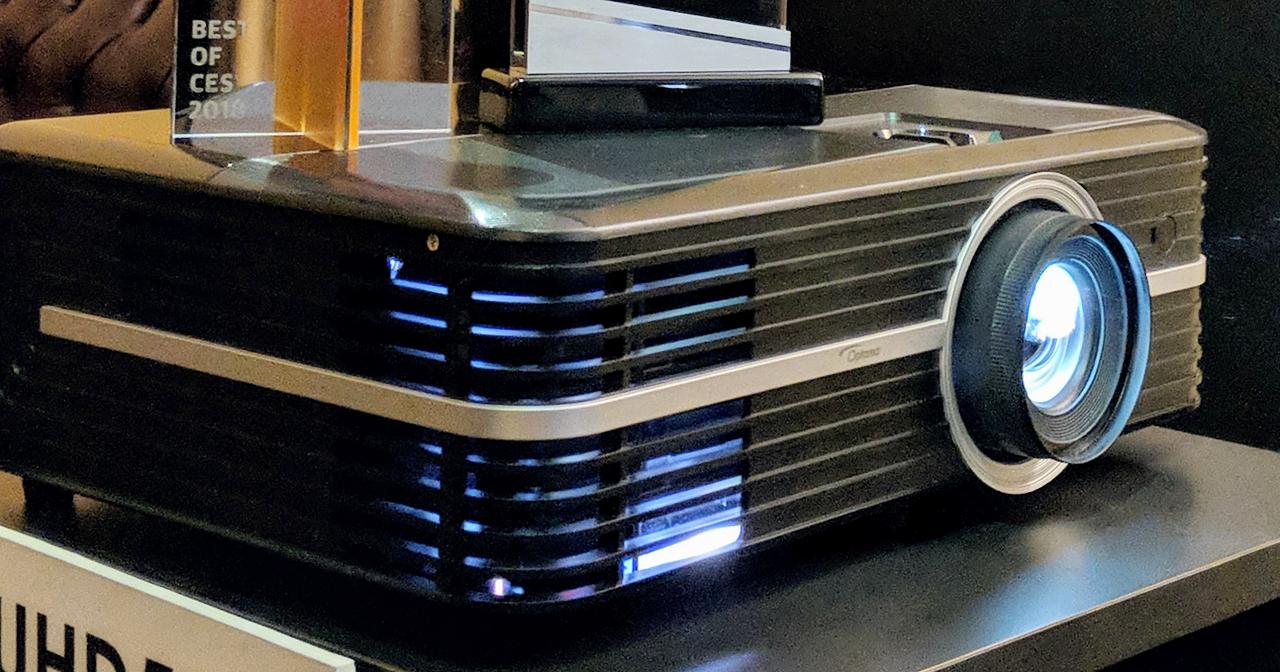 投影機也有 AI,Optoma 推出結合 Alexa 語音助理的 4K 家庭劇院投影機 UHD51A