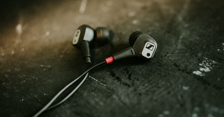Sennheiser 推出兩款全新入耳式耳機:具備自訂頻響功能的 IE 80 S 及無線藍牙耳機 MOMENTUM Free