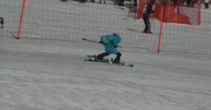 冬奧機器人不只協助賽事,還能比賽滑雪