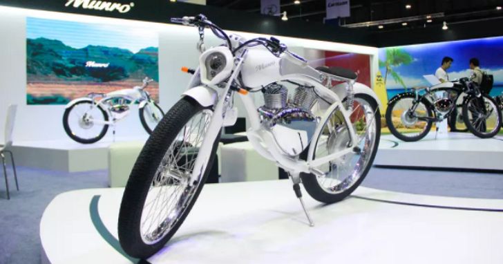 Gogoro「坐」不到、充電+換電兩種方案兼具,首次亮相曼谷的 Munro 2.0 跨騎式電動機車