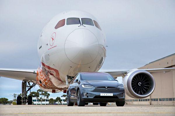 Tesla Model X 成功拖行「波音 787 客機」,寫下電動乘用車歷史新碑!