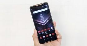 搭載2.96Ghz高通S845與8GB RAM超狂效能,華碩首款電競手機ROG Phone登場