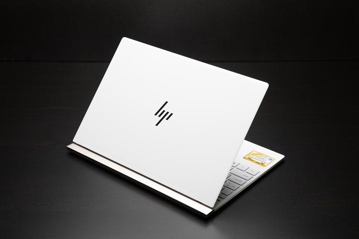 HP SPECTRE 13新款開箱與評測 輕薄時尚的筆電精品