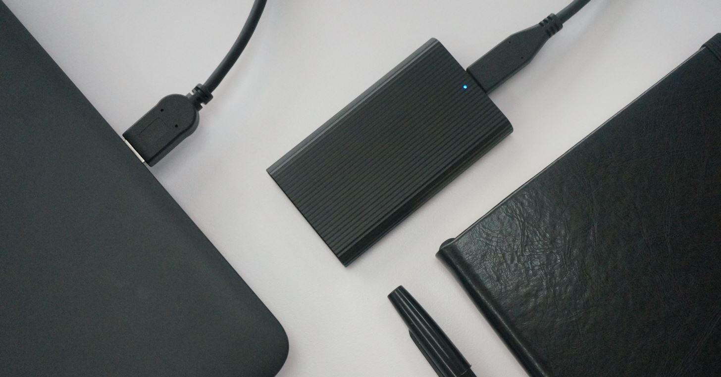 比名片還小!Sony Type-C 外接式固態硬碟 SL-E 系列在台上市