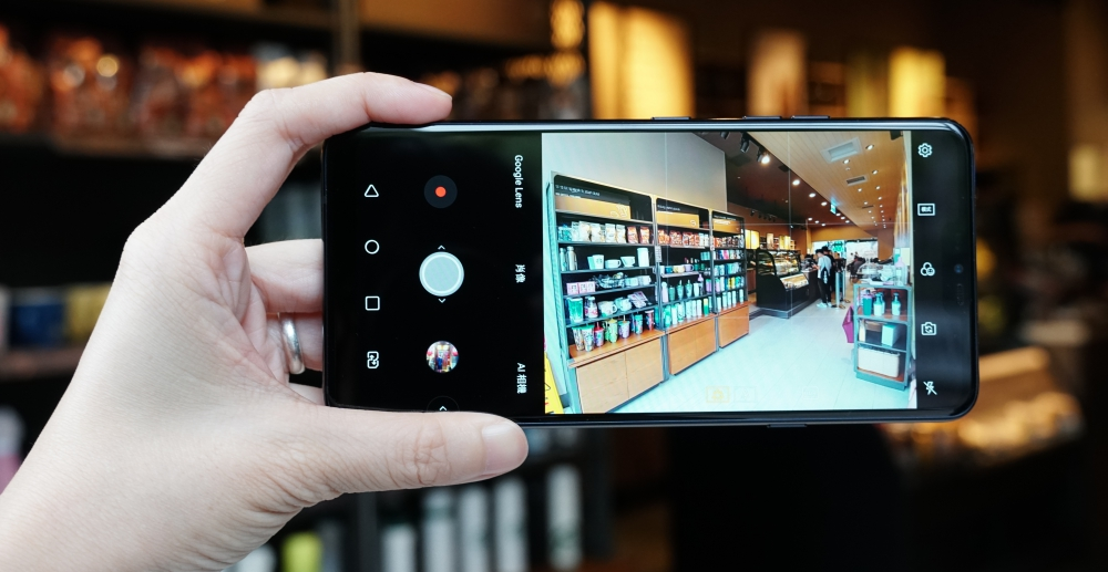 LG G7+ ThinQ 簡單動手玩,軟體硬體都到位的順手好用旗艦
