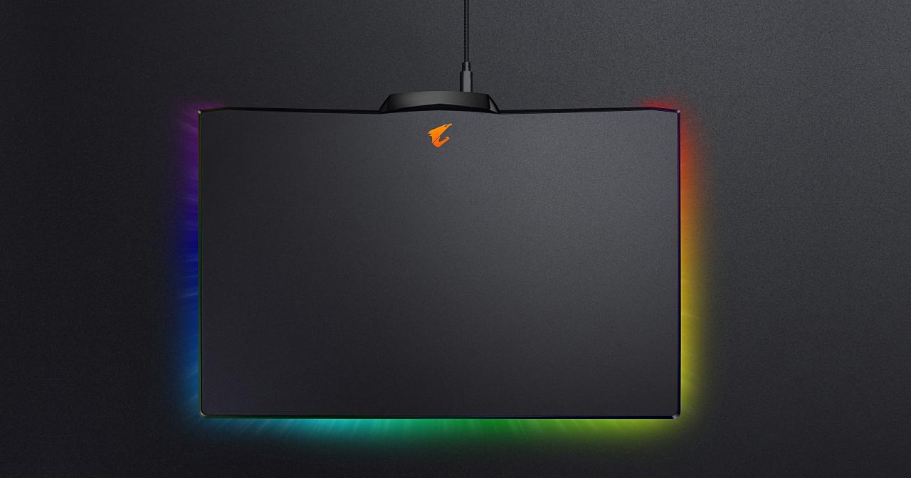 電競滑鼠墊又一款,AORUS 推出會發光的 P7 炫光鼠墊