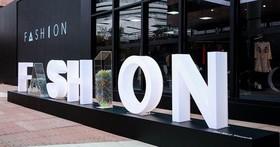 阿里巴巴研發 Fashion AI 項目,攜 GUESS 率先推概念店