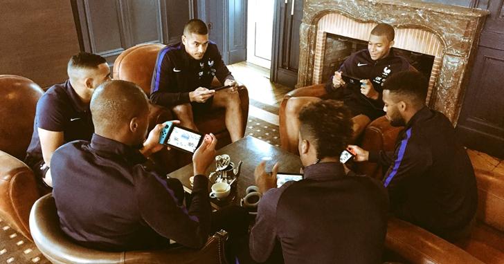 內馬爾愛玩《CS:GO》,哥倫比亞全隊聚在一起玩任天堂 Switch,足球員怎麼會迷上電玩?