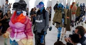 原來這就是時尚!VR 眼鏡和手機支架成為巴黎時裝週新品