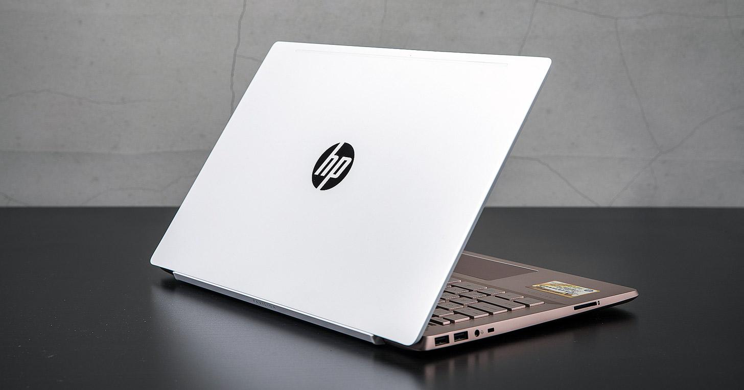陶瓷白遇見玫瑰金,碰撞出全新視覺風貌:HP Pavilion 14-ce0066TX 開箱與深度評測!