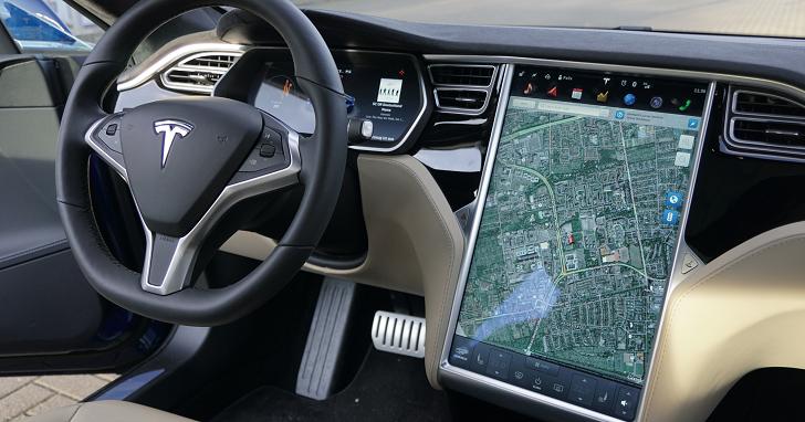 Tesla 決定把 Atari 經典遊戲塞進下一次的車用軟體更新中,成為眾多彩蛋的一部分
