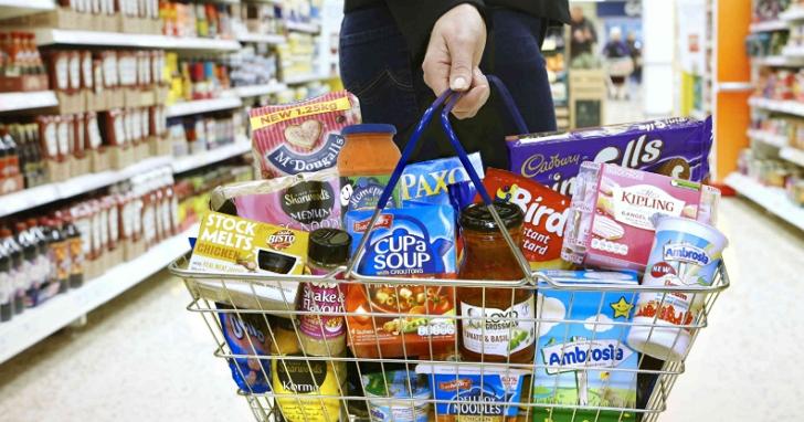 逛超市省錢的 6 個心理學妙招:結帳排哪個隊?便宜貨擺在哪?