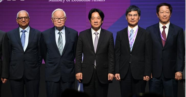 行政院長賴清德:政府以行動支持半導體產業發展, 打造台灣成為重要發展基地