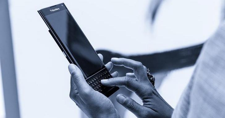 為什麼在全螢幕手機之後,捲土重來的會是滑蓋和翻蓋手機?