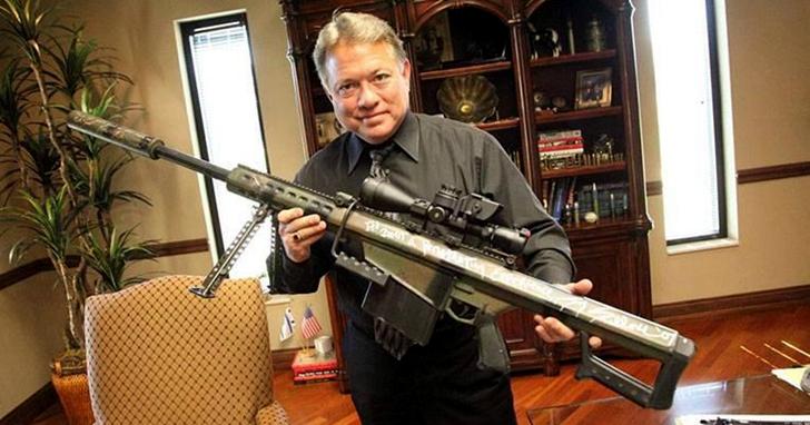 一代重狙槍王巴雷特,如何讓槍廠排著隊等著在遊戲中置入自己家開發的武器