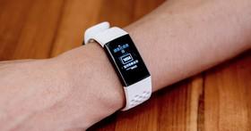 續航7天、防水50公尺,Fitbit推出Charge 3智慧手環,游泳健身都難不倒它