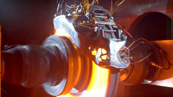 【影片】煞到起火只是剛好,Bugatti釋出3D列印鈦合金卡鉗「極限」測試影片!