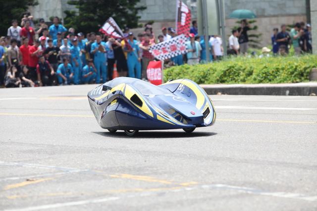 SAE環保節能車大賽:台北科技大學、虎尾科技大學拿下省油車、電動車冠軍寶座
