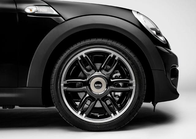 MINI CLUBMAN BOND STREET特仕車款正式登台,160萬有找