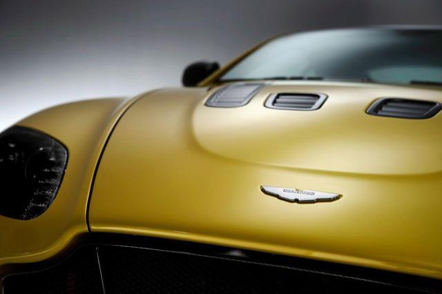 超跑紳士 Aston Martin V12 Vantage S正式發佈,腳踩573匹馬力的優越感