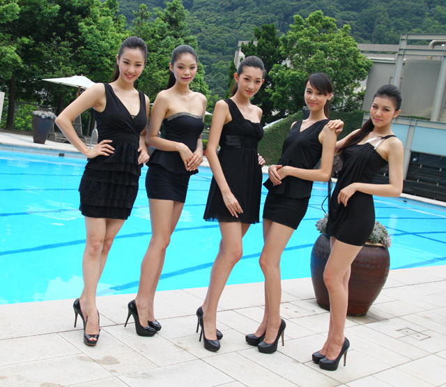 [我要Model當女友] Mazda New CX-9與黑色緊身、長腿高跟鞋的致命誘惑!