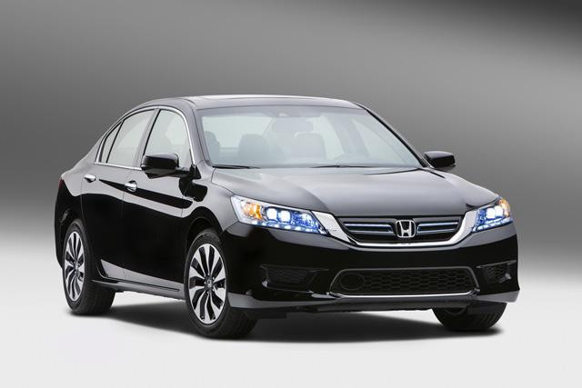 全新 Honda Accord Hybrid油電車款將於10月上市,平均油耗比 Toyota Camry Hybrid還低!