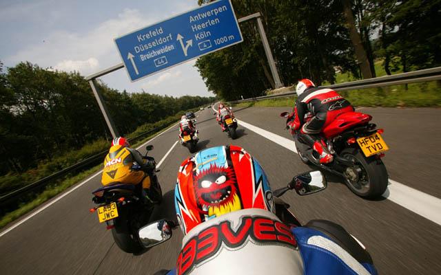 德國 Autobahn高速路段十大最速記錄!309km/h只是最慢的一台!