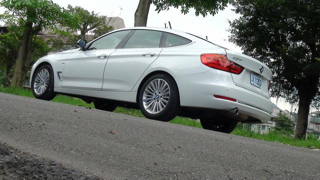 2013 BMW 320i GRAN TURISMO試駕!好一個會放電的臀部