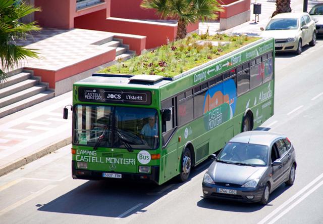 Phyto Kinetic綠化巴士車頂,淨化都會人的視覺與空氣。不怕的就上去做個流動日光浴吧!