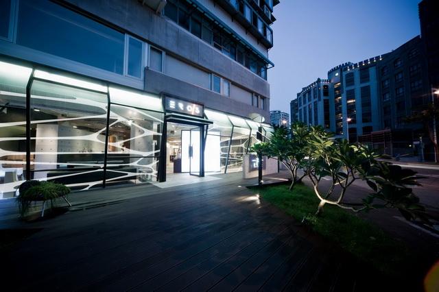 2013《Fashion's Night Out全球購物夜》台灣首座Mercedes-Benz Café及Mercedes-Benz Styling正式公開