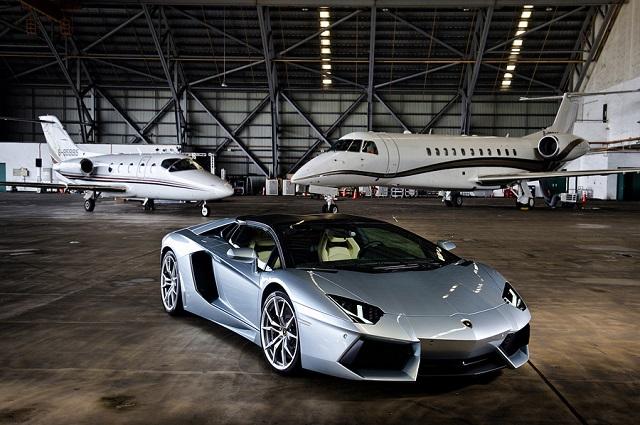 Lamborghini Aventador LP 700-4 Roadster敞篷超跑發表實況!V12大牛的怒吼振奮人心!