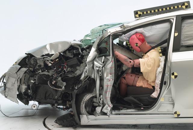 消費者應該要相信哪間撞擊測試機構的安全數據呢?Euro NCAP為何遲遲不導入小區撞擊測試?
