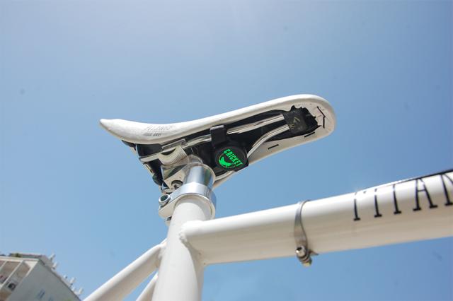 結合智慧型手機 App的 Cricket腳踏車防盜器,機車或任何私人物品也都適用!