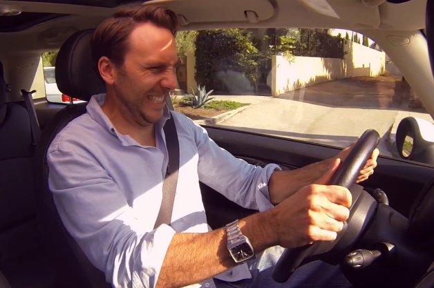 Apple蘋果「Steeri」手機 App證明聲控自動駕駛絕對是個壞點子!