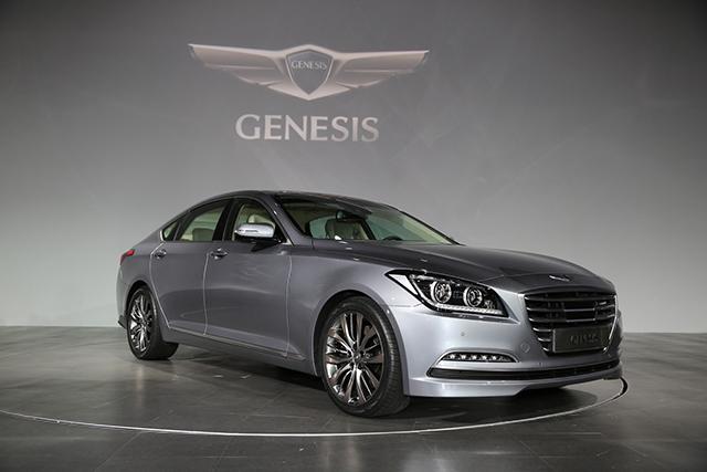 現代汽車將於明年引進質感直逼雙B的 HYUNDAI Genesis頂級旗艦車款!