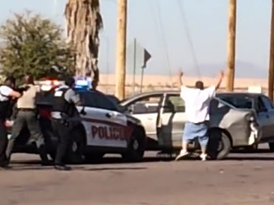 舉手投降的嫌犯遭到員警兩槍斃命,執法過當還是罪有應得?