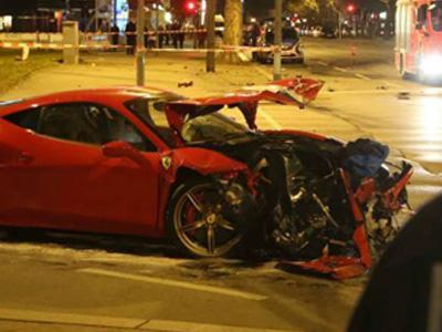 【熱門話題】全新法拉利 Ferrari 超跑撞上 Smart迷你車,兩敗俱傷!