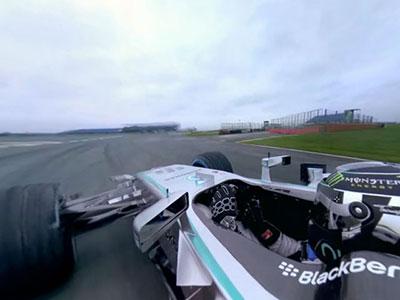 想跟 F1車手 Nico Rosberg偷學幾招賽車技巧,靠360度攝影機就對了!