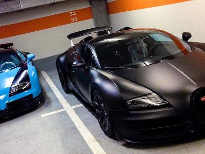 【熱門話題】消光黑 Bugatti Veyron帥到爆炸!停兩個車位也ok