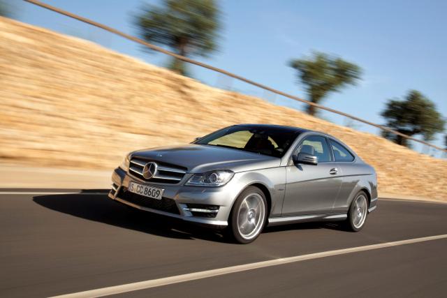Mercedes-Benz 四月熱門限定車款享首期免付款之限時優惠