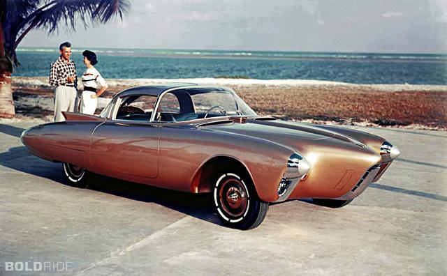 1956 Oldsmobile Golden Rocket 概念車!那個嚮往火箭造型的汽車年代